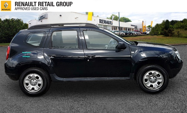 used 2014 dacia duster 1 5 dci ambiance 4x4 5dr in black for sale in coulsdon for 10 000. Black Bedroom Furniture Sets. Home Design Ideas