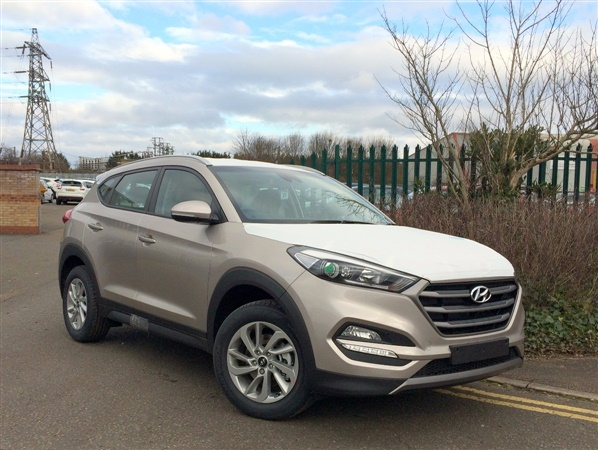 Hyundai Tucson For Sale >> Used Hyundai Tucson 1.7 CRDi Blue Drive SE Nav 5dr 2WD in White Sand Metallic for sale in ...