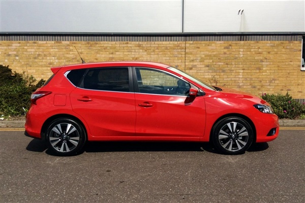 used 2016 nissan pulsar in flame red for sale in waltham abbey for 15 000